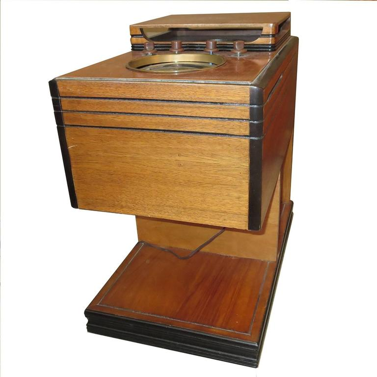 American 1938 Zenith Art Deco Chairside Radio For Sale