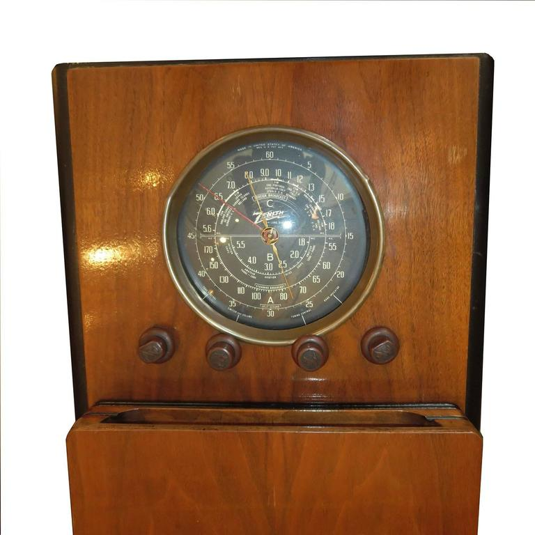 1938 Zenith Art Deco Chairside Radio 4