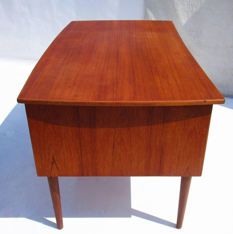 Danish Mid-Century Modern Teak Desk In Good Condition For Sale In Los Angeles, CA