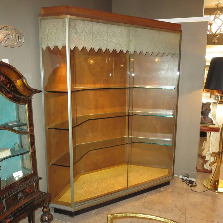 Art Deco Lalique Glass Showcase For Los Angeles Oviatt