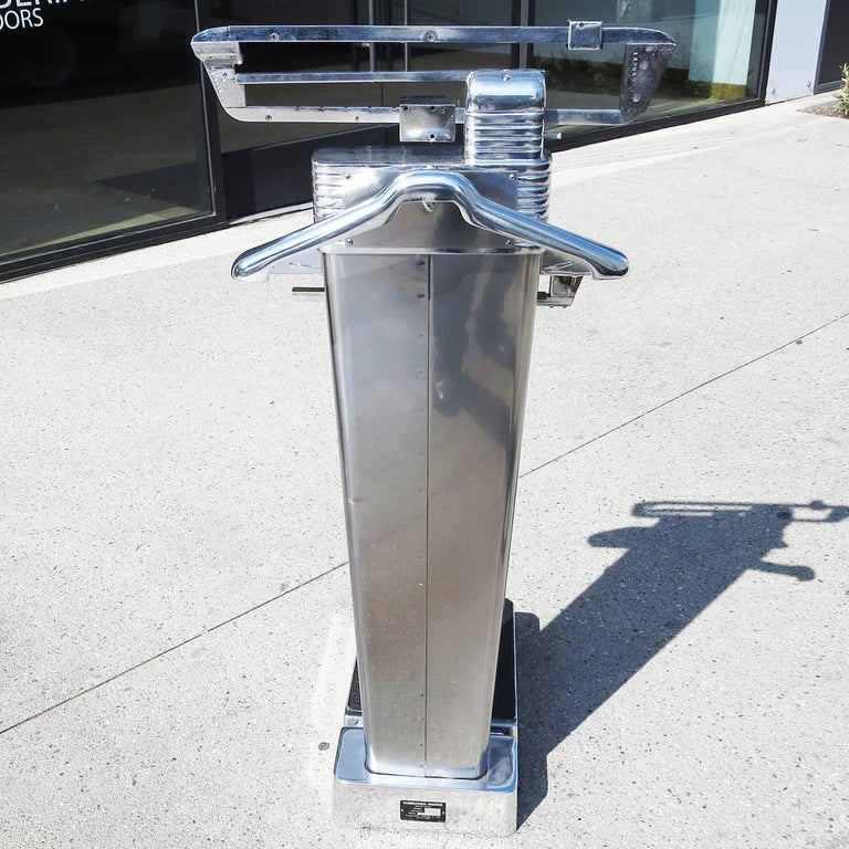 Mid-20th Century Polished Aluminium Valet Scale by Henry De Segur Lauve, 1960 For Sale