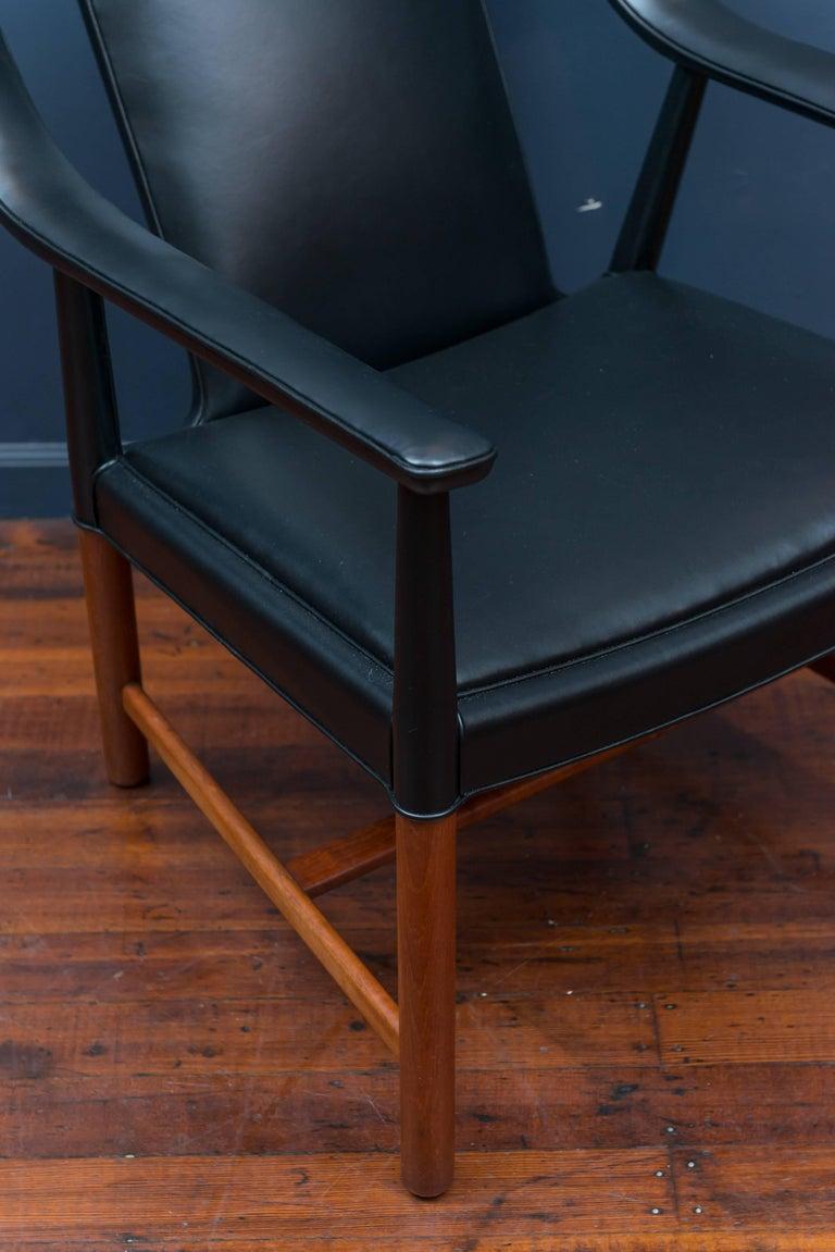 Scandinavian Modern Ejner Larsen and Askel Bender Madsen Lounge Chair LP48 For Sale