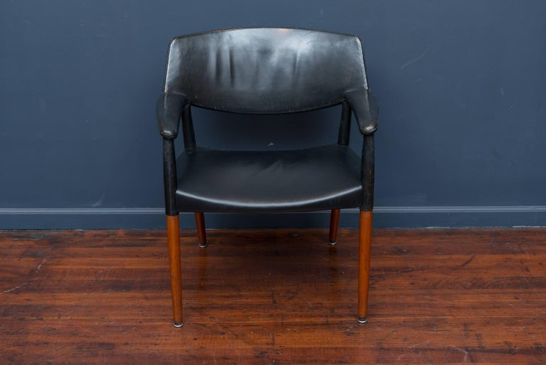 Ejner Larsen & Askel Bender Madsen leather lounge chair for Willy Beck, Denmark. Teak legs with new matching black leather and webbing on the seat, original leather on the backrest and arms, very comfortable.