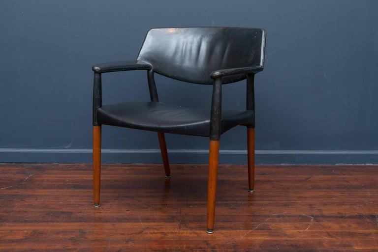 Scandinavian Modern Ejner Larsen & Askel Bender Madsen Lounge Chair for Willy Beck For Sale