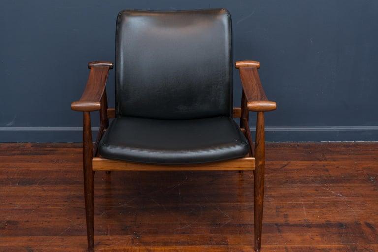 Scandinavian Modern Finn Juhl Rosewood Spade Chair Model FD133 For Sale