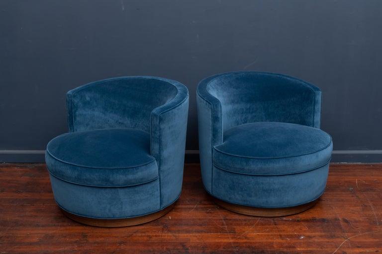 Mid-Century Modern Dunbar Swivel Club Chairs For Sale