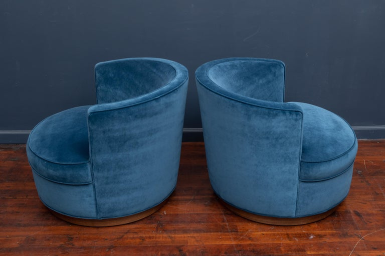 Dunbar Swivel Club Chairs In Good Condition For Sale In San Francisco, CA