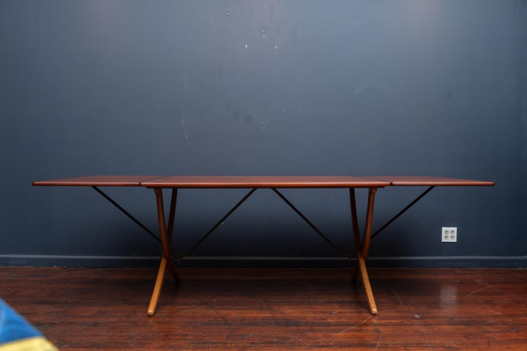 Hans Wegner Sabre Leg Dining Table Model AT-304 In Good Condition For Sale In San Francisco, CA