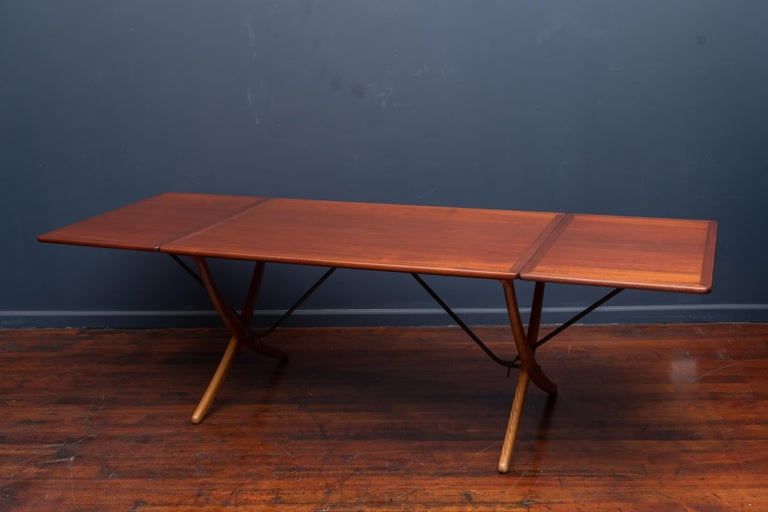 Mid-20th Century Hans Wegner Sabre Leg Dining Table Model AT-304 For Sale