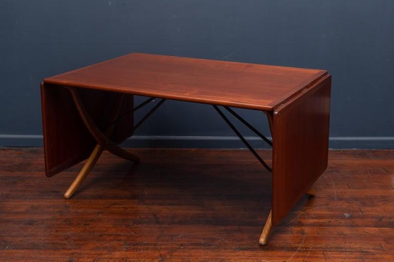 Hans Wegner Sabre Leg Dining Table Model AT-304 For Sale 1