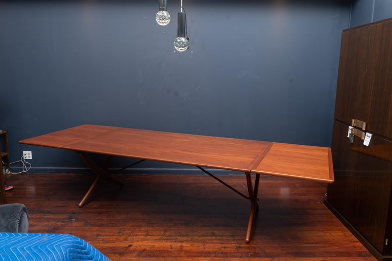 Hans Wegner Dining Table Model AT-314 In Excellent Condition For Sale In San Francisco, CA