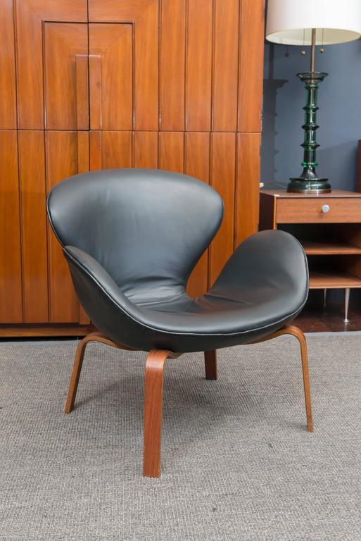 Arne Jacobsen Swan Chair 2
