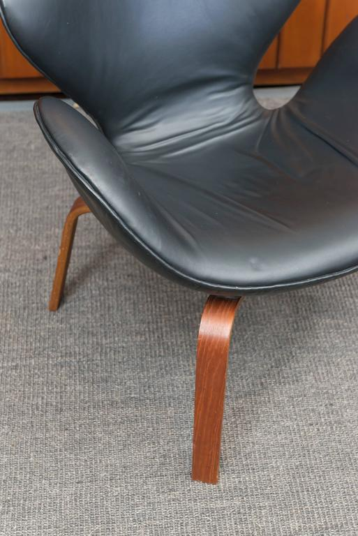 Arne Jacobsen Swan Chair 3