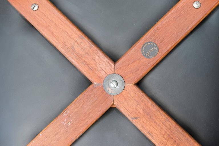 Arne Jacobsen Swan Chair 5