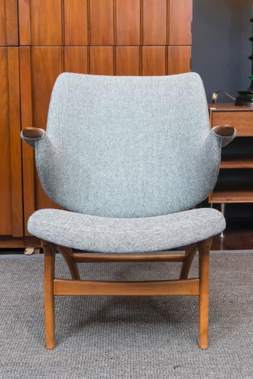 Scandinavian Modern Lounge Chair 2
