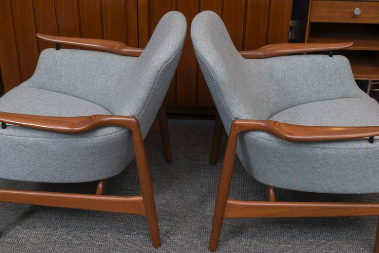 Pair of Finn Juhl NV 53 Lounge Chairs In Excellent Condition For Sale In San Francisco, CA