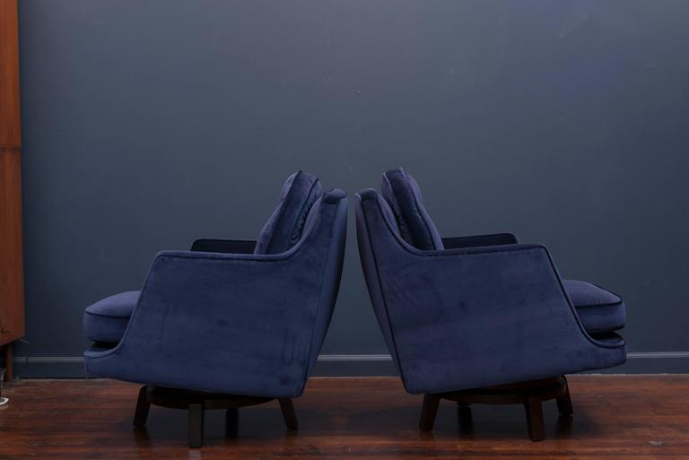 Dunbar Swivel Lounge Chairs In Excellent Condition For Sale In San Francisco, CA