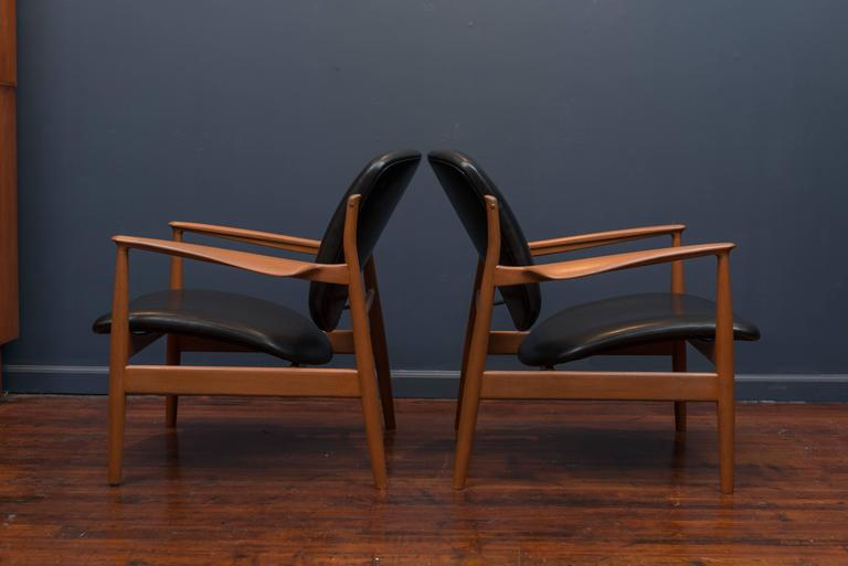 Finn Juhl Lounge Chairs FD 136 In Excellent Condition For Sale In San Francisco, CA