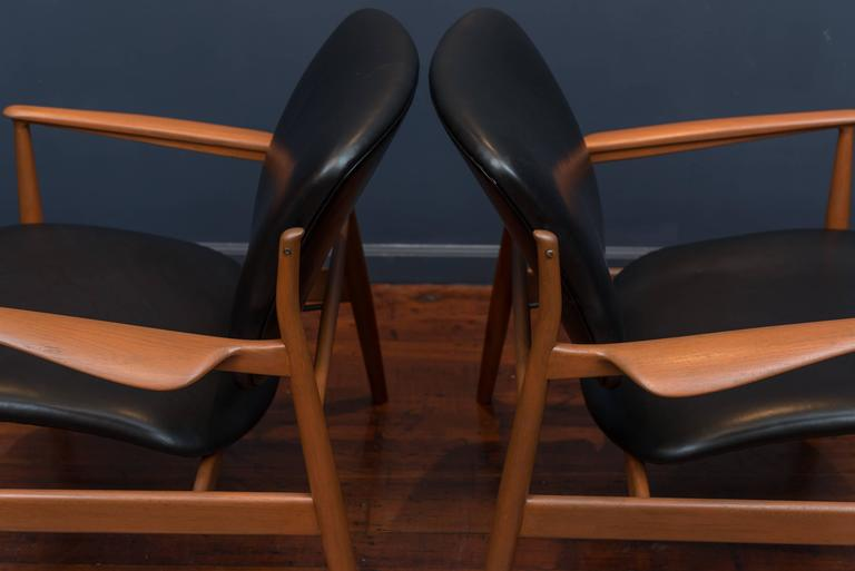 Mid-20th Century Finn Juhl Lounge Chairs FD 136 For Sale