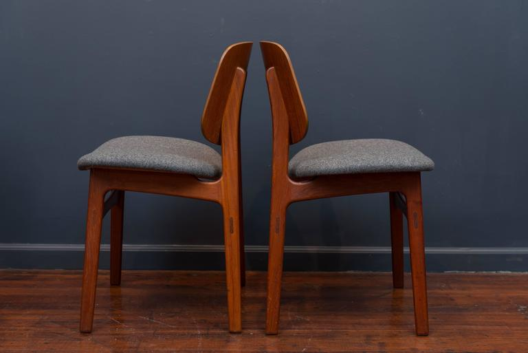 Scandinavian Modern Børge Mogensen Eight Dining Chairs For Sale