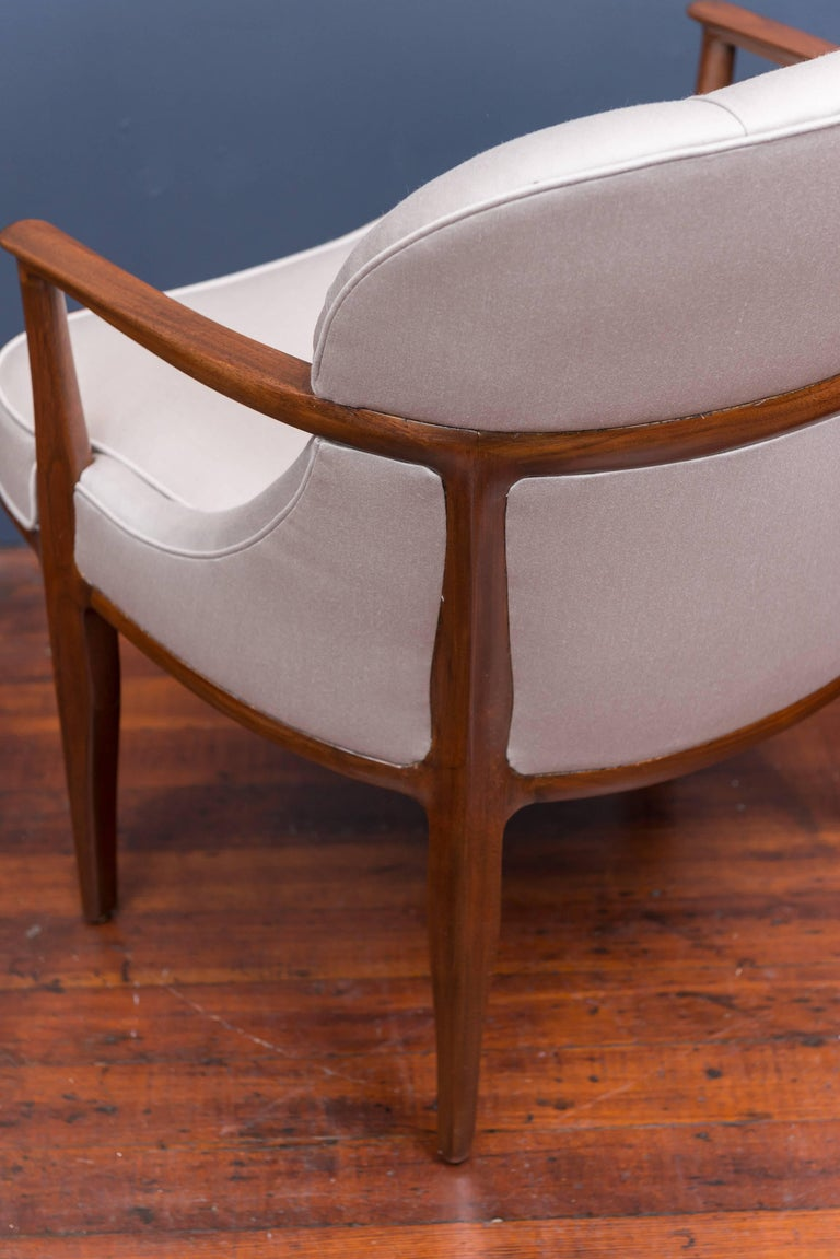 Pair of Janus Lounge Chairs by Edward Wormley for Dunbar 7