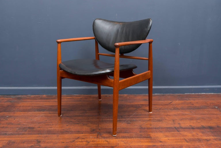 Scandinavian Modern Finn Juhl NV 48 Chair for Niels Vodder For Sale