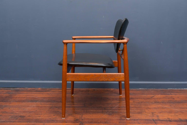 Mid-20th Century Finn Juhl NV 48 Chair for Niels Vodder For Sale
