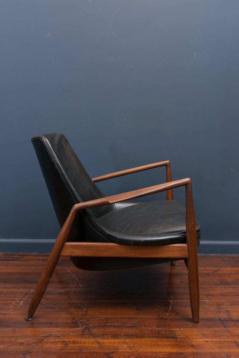 Ib Kofod-Larsen Leather Seal Chair for OPE In Excellent Condition For Sale In San Francisco, CA