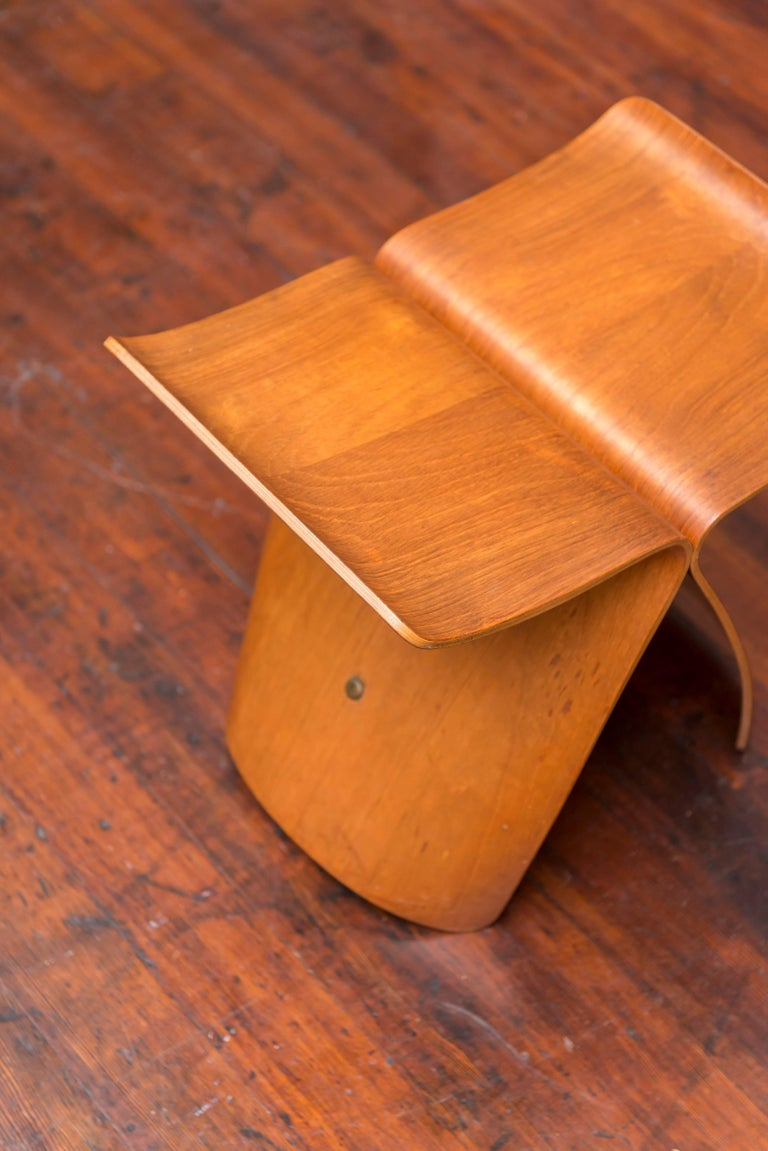 Original Sori Yanagi Butterfly Stool In Excellent Condition For Sale In San Francisco, CA