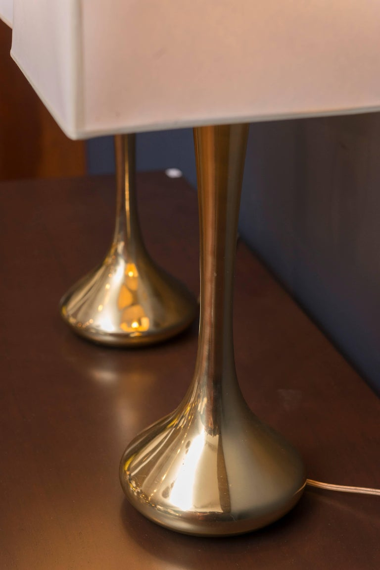 Pair of Brass Laurel Lamps In Good Condition For Sale In San Francisco, CA