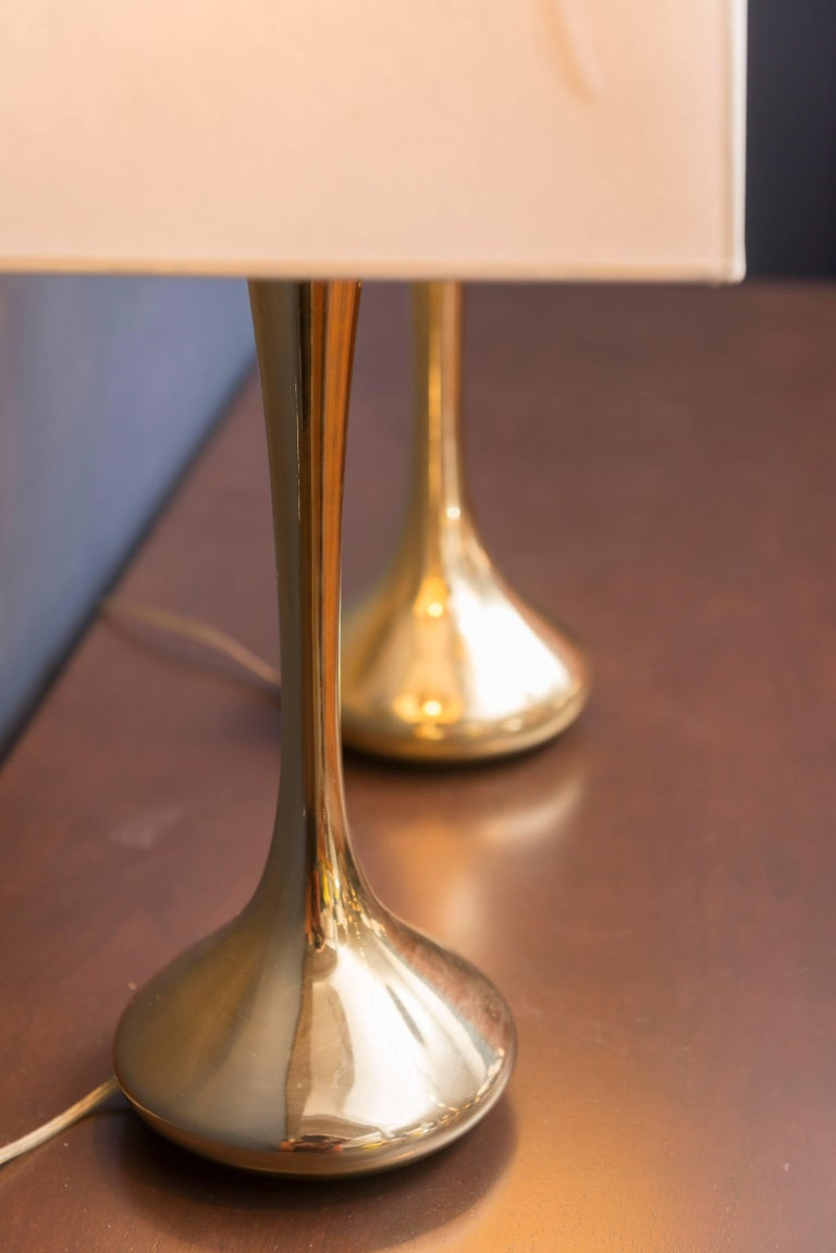 Mid-20th Century Pair of Brass Laurel Lamps For Sale