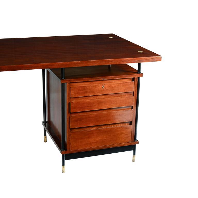 Metallico Desk 3