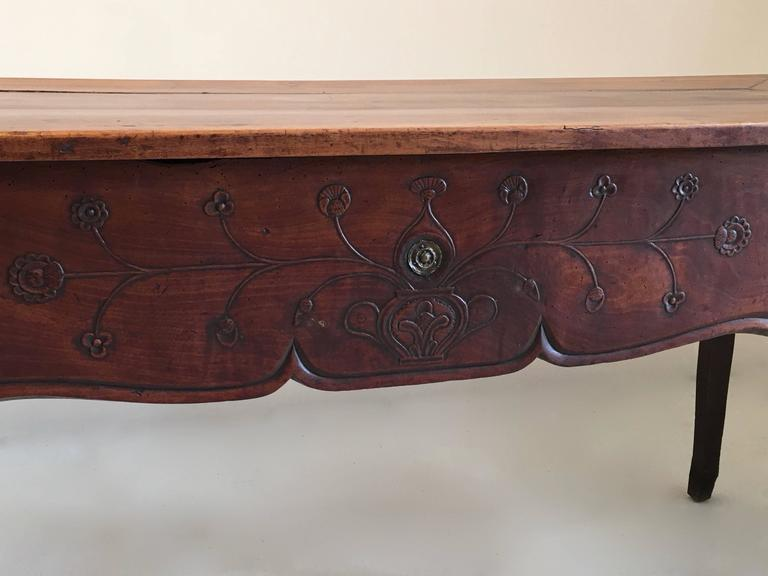 Louis XV 18th century country French  large Walnut Desk /table For Sale
