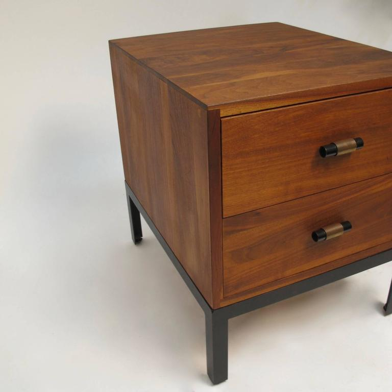Charmant Mid Century Modern Med Century Modern Walnut , Low Bedside Table Chest For  Sale