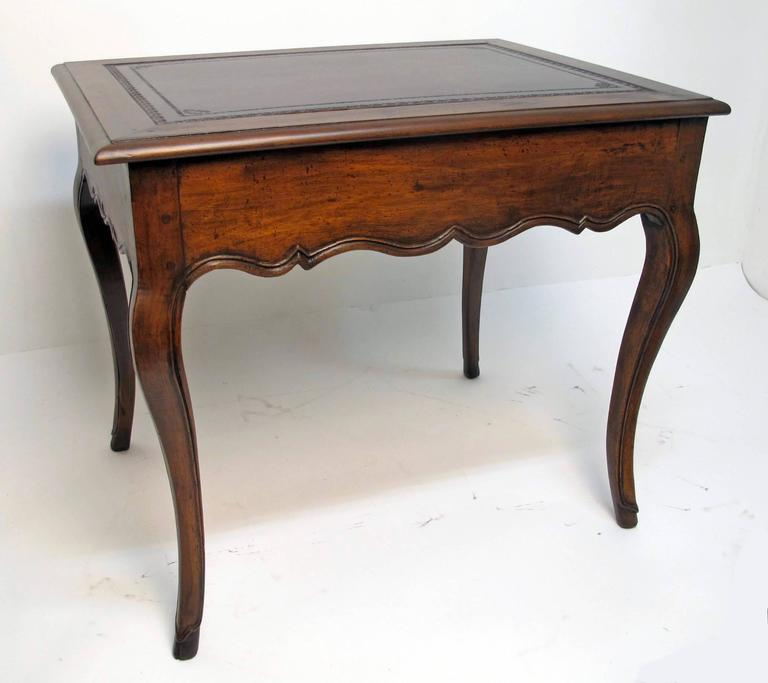18th Century French Louis XVI Writing Table or Desk In Excellent Condition For Sale In San Francisco, CA
