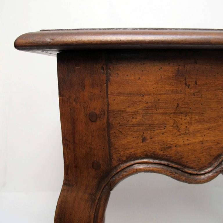 18th Century French Louis XVI Writing Table or Desk For Sale 1
