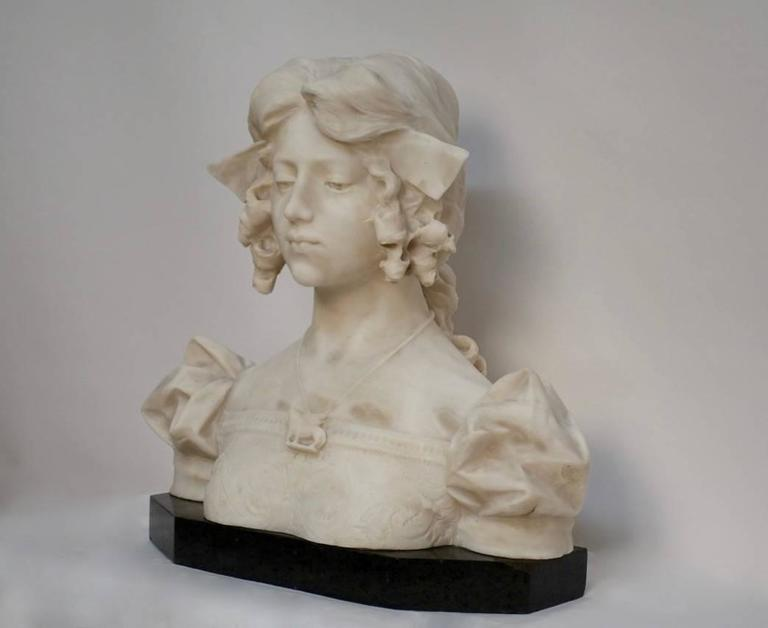 Carved Grand Tour Carrara alabaster bust of Dante's Beatrice, Italian, 19th Century For Sale