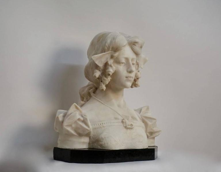 Carrara Marble Grand Tour Carrara alabaster bust of Dante's Beatrice, Italian, 19th Century For Sale