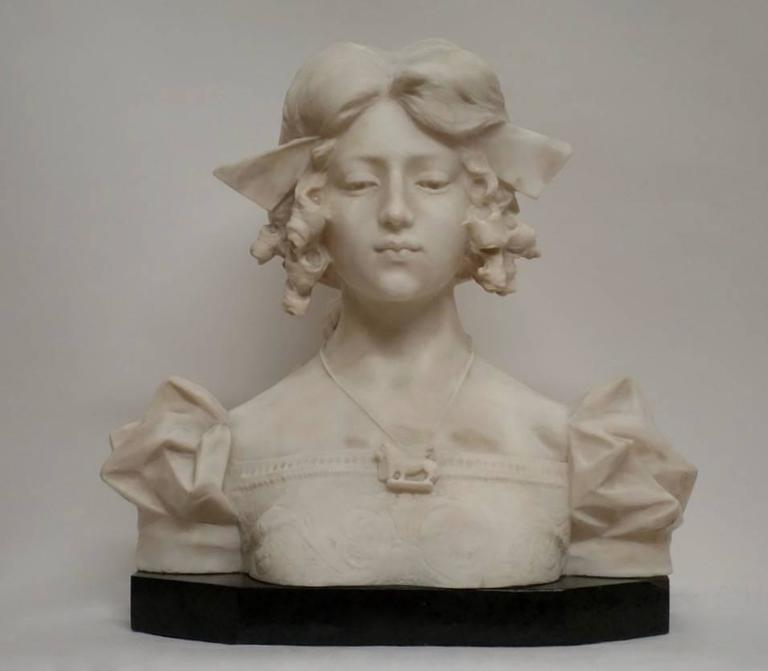 Grand Tour Carrara alabaster bust of Dante's Beatrice, Italian, 19th Century For Sale 1