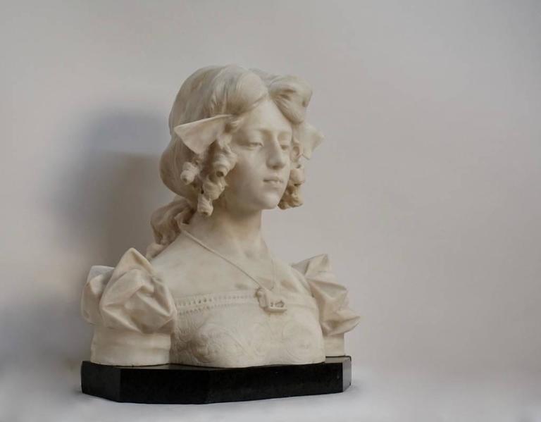 Grand Tour Carrara alabaster bust of Dante's Beatrice, Italian, 19th Century For Sale 2