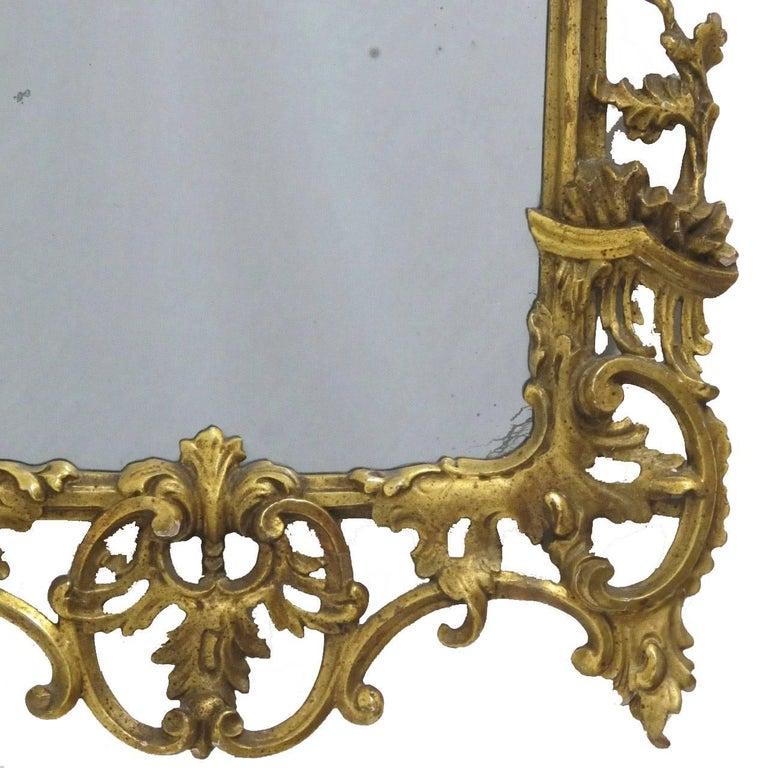 18th Century Italian Rococo Gilt Mirror In Excellent Condition For Sale In San Francisco, CA