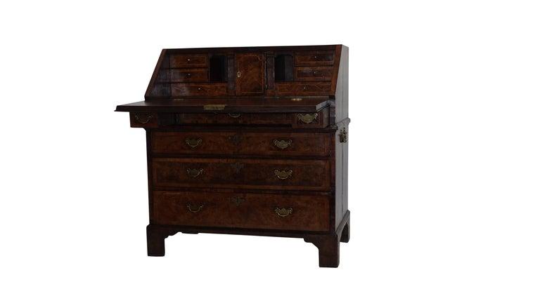 George I Walnut and Burl Walnut Slant Front Desk, England, 1700 7