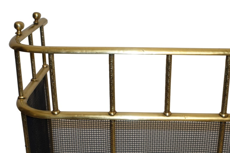 Large Brass Fireplace Screen with Repose Supports, England 19th Century For Sale 3