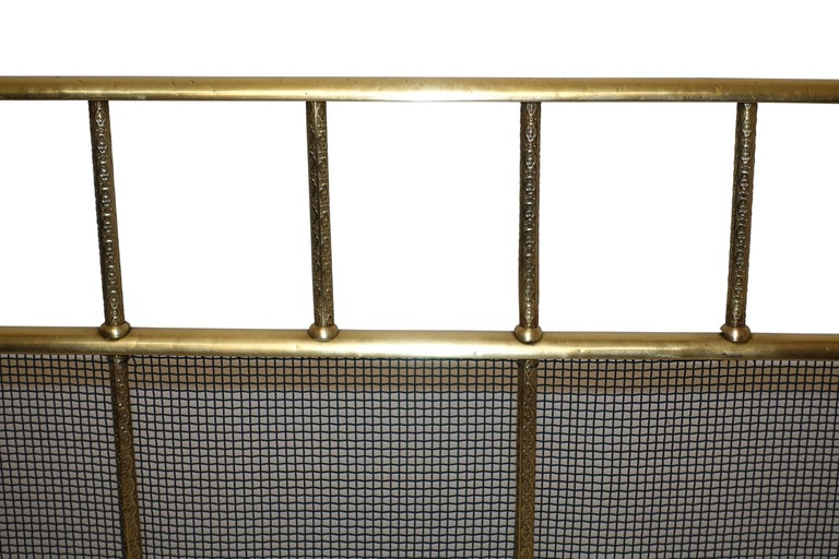 Large Brass Fireplace Screen with Repose Supports, England 19th Century For Sale 2