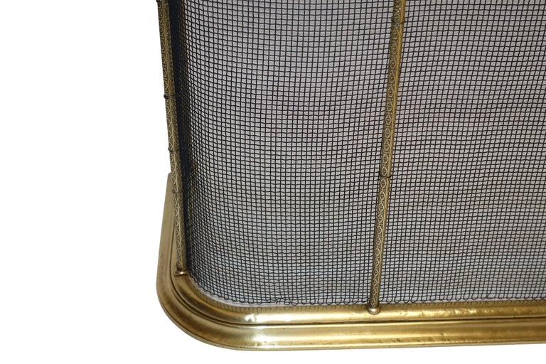 Large Brass Fireplace Screen with Repose Supports, England 19th Century For Sale 1