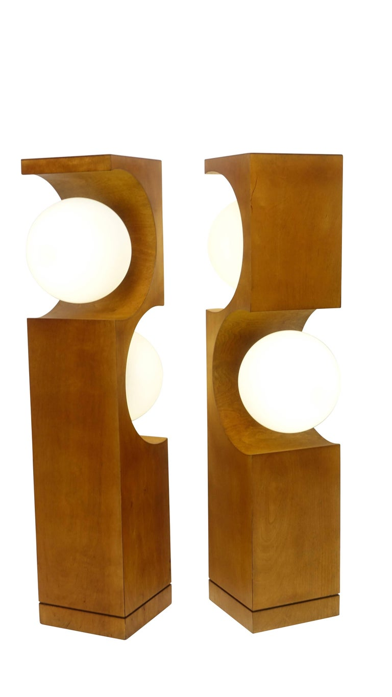 Pair of Mid-20th Century Milo Baughman Wood Cut-Out Lamps In Excellent Condition For Sale In San Francisco, CA