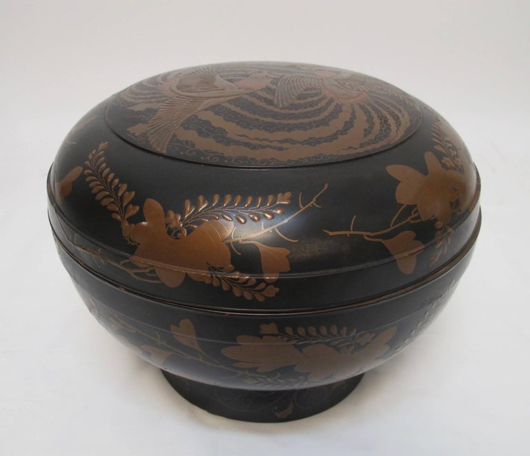Japanese Meiji Period Lacquered Lidded Bowl For Sale 5