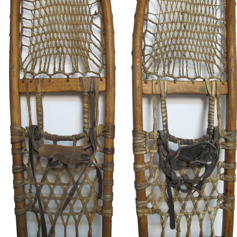 Pair of Antique Snowshoes, American, circa 1930 In Good Condition For Sale In San Francisco, CA