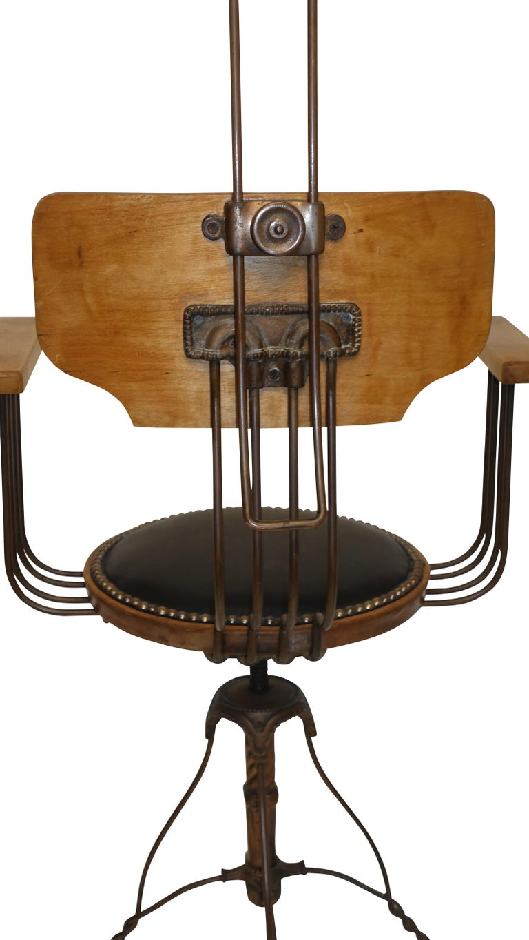 Multi Adjustable Barber's Chair, American Early 20th Century For Sale 4