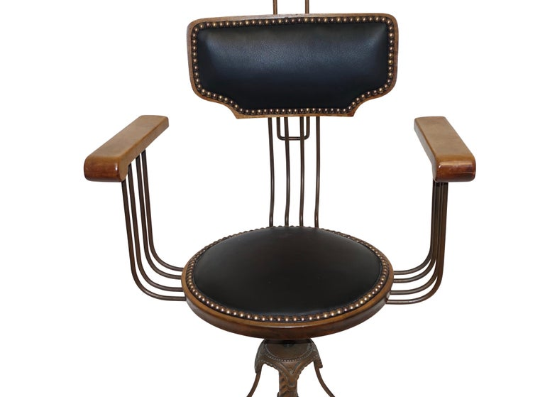 Multi Adjustable Barber's Chair, American Early 20th Century For Sale 1
